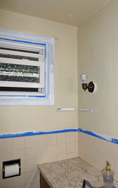 Loo-First-Coat-Trim-Tape